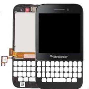 Blackberry Q5 kompletní...