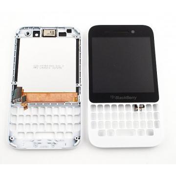 Blackberry Q5 přední...